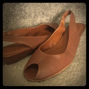 White Mountain Leather Sandal- Brown -low wedge